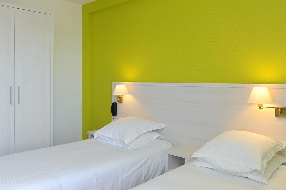 chambres d 39 h tel royan face la plage h tel beau rivage. Black Bedroom Furniture Sets. Home Design Ideas